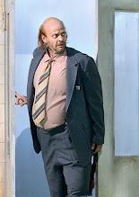 Photo: WIEN/ BURGTHEATER: DER REVISOR von Nikolaj Gogol. Premiere am 4.9.2015. Inszenierung: Alvis Hermanis. Dietmar König. Copyright: Barbara Zeininger
