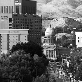 CAPITOL BOULEVARD BUILDINGS AND ARCHITECTURE by Gerry Slabaugh - City,  Street & Park  Street Scenes ( idaho, boise, capitol boulevard, bw, architecture, capitol )