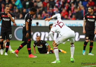 Dan toch nog spanning in Duitsland? Thomas Müller staat symbool voor zwak Bayern München, dat zelfs tegen tien man niet kan scoren