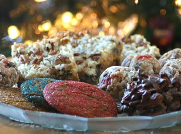 Grandma Maryellen's Christmas Date Balls