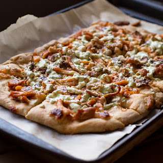 Buffalo Chicken Pizza Bread