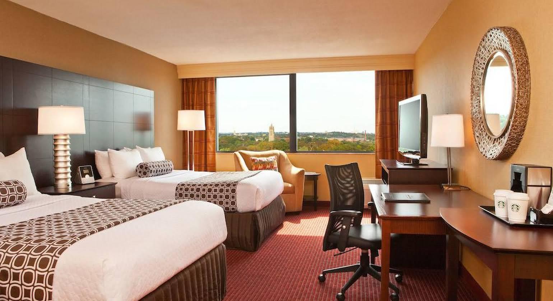 Crowne Plaza Hotel Boston- Newton