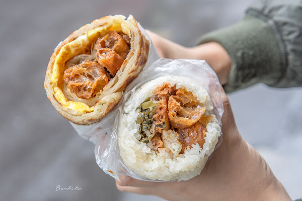 台北東區傳統早餐-上順興香Q飯糰 45元隱藏版巨無霸蔥油餅飯糰料/忠孝敦化站美食