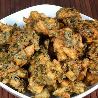 Spinach Potato (Aloo Palak) Pakora.