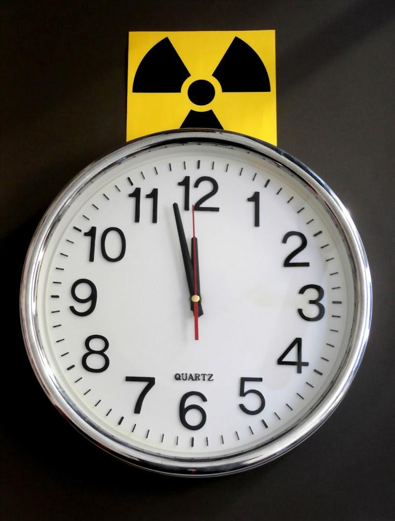 L'Orologio dell'Apocalisse segna 2 minuti alla mezzanotte di Renato Teodori