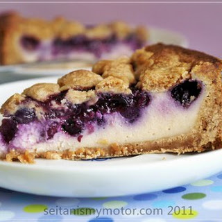 Blueberry Speculoos Streusel Cheesecake.
