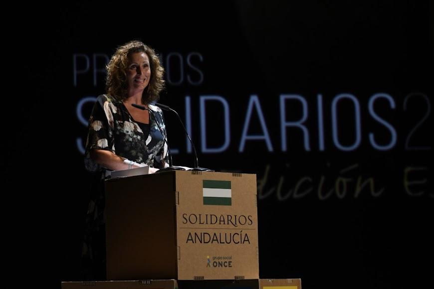María Vázquez subida al escenario.