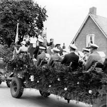 Photo: fanfare Feestelijke opening van de openbare lagere school in Annen d.d. 7 september 1957. Dirigent is I.F. Westrup.