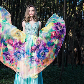 Floral heart by Gerrie van der Walt - People Fashion