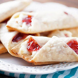 Strawberry Cream Cheese Mini Wraps