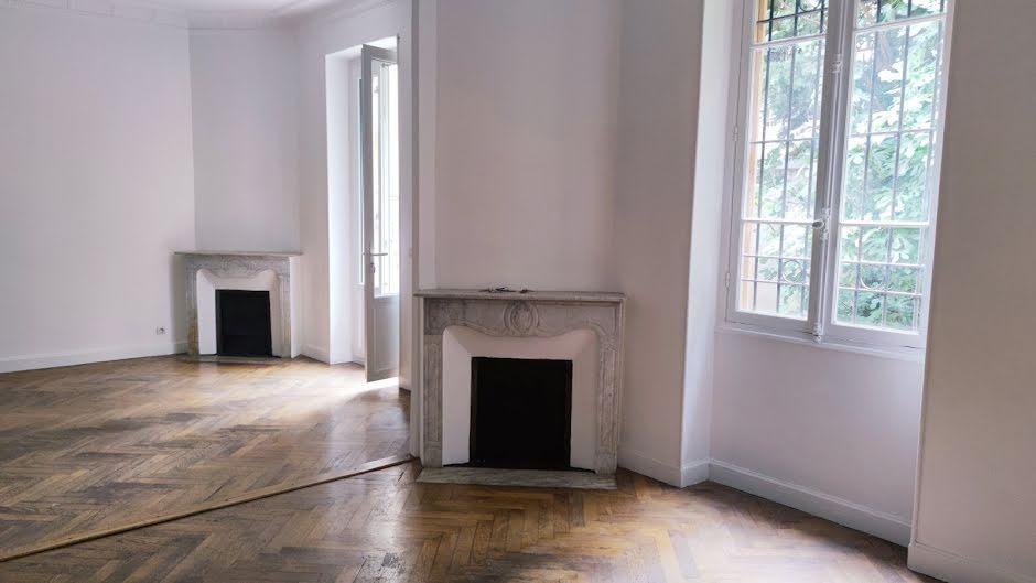 Location  appartement 5 pièces 125.47 m² à Nice (06000), 1 925 €