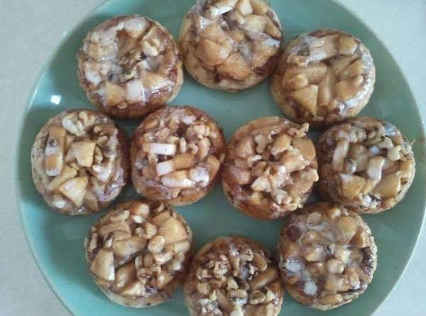 Apple Walnut Sticky Buns___bebita