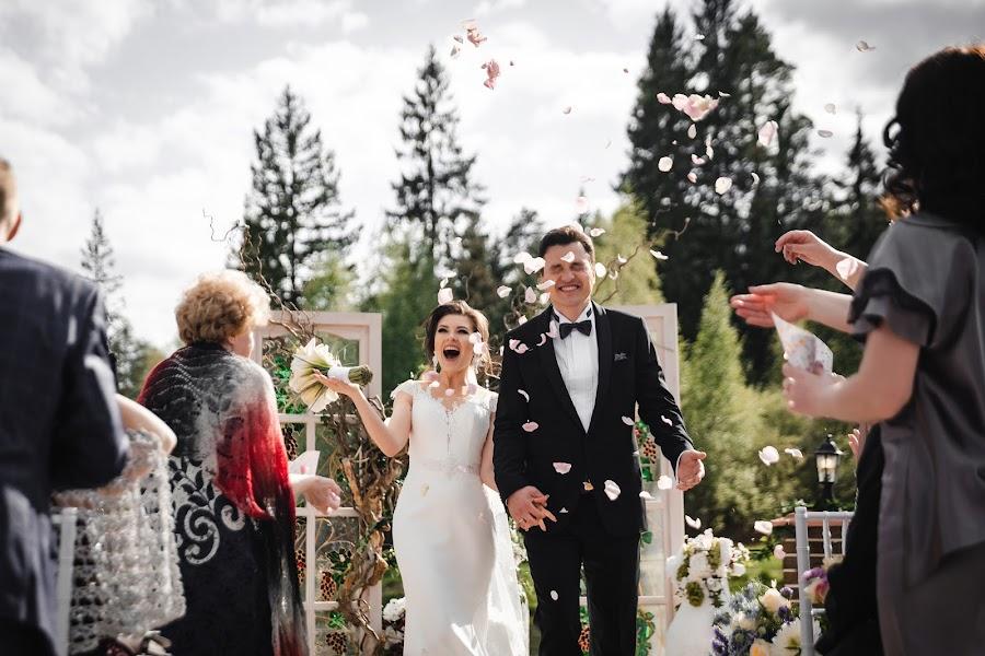 Bröllopsfotograf Anton Metelcev (meteltsev). Foto av 10.06.2019