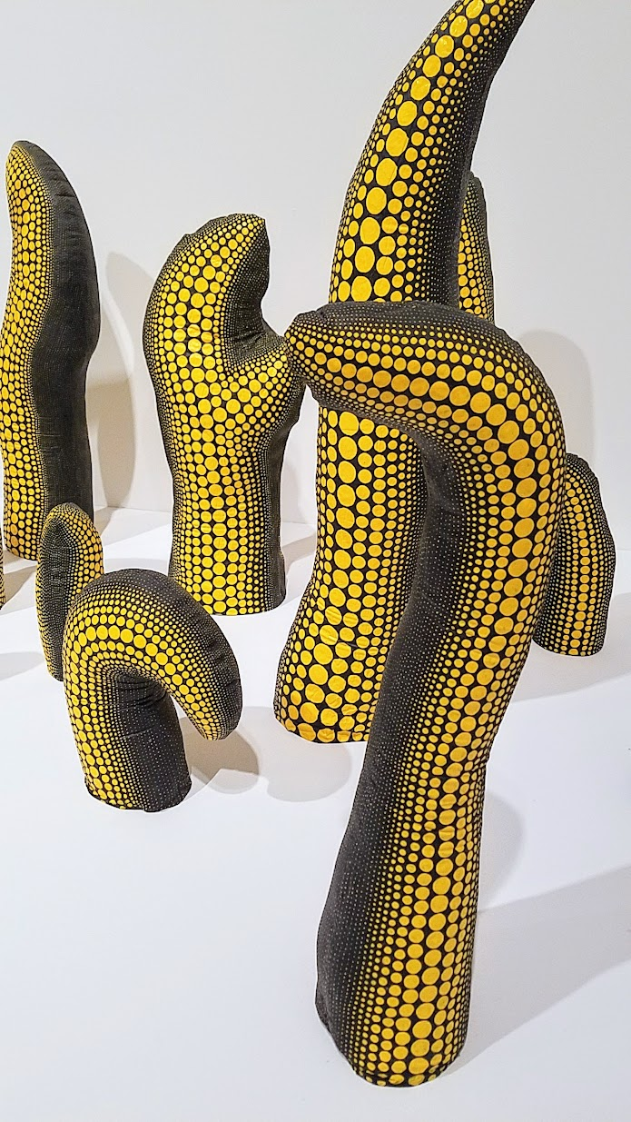 Yayoi Kusama, Life (Repetitive Vision), 1998 Stuffed cotton, urethane, paint, and wood