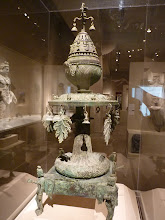 Photo: Romeinse kunst maar...zie eens bovenaan het kunstwerk , vreemd teken toch