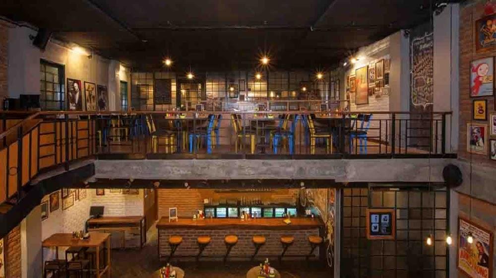 top-sports-bars-delhi-My_Bar_Square