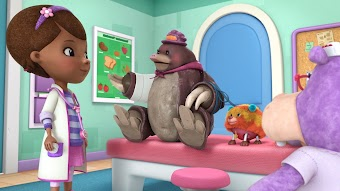 Toy Hospital: Mole Money, Mole Problems / Yip, Yip, Boom!