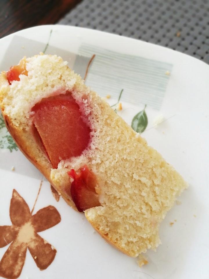 Сливовый пирог 1 в разрезе
