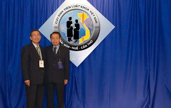 Photo: từ trái: anh Lê Truật & anh Đoàn Phúc Hữu (SVLK SaiGon)