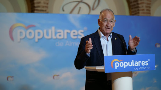 Los consejos de Gabriel Amat a la oposición de Roquetas de Mar