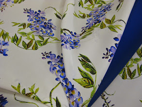 Photo: Ткань : Матовый атлас стрейч натуральный шелк ш.140см. цена 4600руб. Ткань : Шармюз натуральный шелк ш.135см. цена 3300руб.