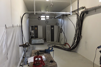 Photo: Salle électrique 2 - Vue générale (Visite de chantier 2 Oct. 2014)