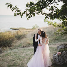Wedding photographer Aleksandra Gurtovaya (AlexaSun). Photo of 17.04.2018