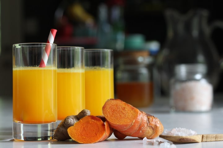 The Perfect Inflammation-Fighting Turmeric Drinks: One for Morning, One for Night