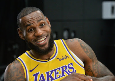 🎥 LeBron James loodst LA Lakers naar eerste NBA-finale in tien jaar