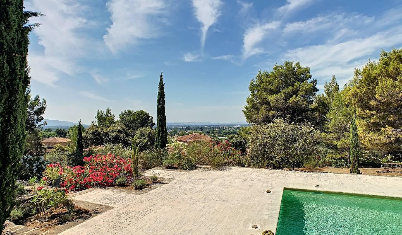 House with pool and terrace L'Isle-sur-la-Sorgue