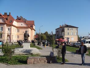 Photo: Chodorów - główny plac miasta. Fot. Stanisław Burlikowski.