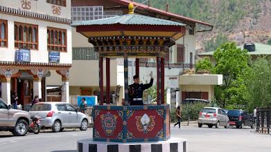 Photo: Die Ampel wurde zugunsten des traditionellen Verkehrspolizisten wieder abgeschafft.