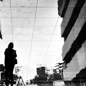 Menunggu by Arif Hari - City,  Street & Park  Street Scenes ( menunggu )