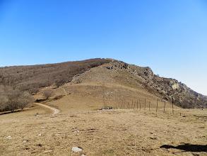 """Photo: petite pause au """"coll de l'Estaca"""" avant d'attaquer la montée jusqu'au """"Puig de Pradets"""""""