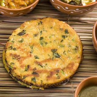 Makki Ki Roti Recipe ( A Spicy Corn Meal Flat Bread)