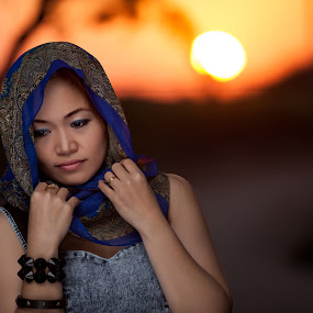 waiting by Tisoy de Vera - People Portraits of Women