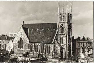 Photo: Kościół Polski Św. Andrzeja Boboli w Londynie. St. Andrew Bobola's Polish Church, London. Karta pocztowa, fot. W. Bednarski.
