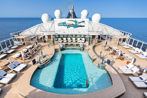 msc-seashore-MSC-Yacht-Club-Sundeck-and-Pool.jpg - Guests at the MSC Yacht Club get access to a private pool and sundeck on MSC Seashore.