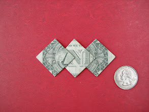 Photo: Model: Three Diamonds;  Creator: Mike Thomas;  Folder: William Sattler;  1 dollar;  Publication: Dollar Bill Origami (John Montroll) ISBN 0-486-42982-2