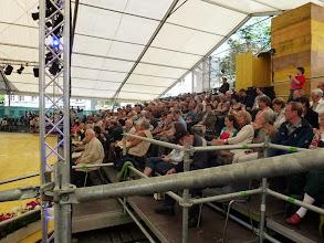 Photo: Viele aufmerksame Zuhörerinnen und Zuhörer