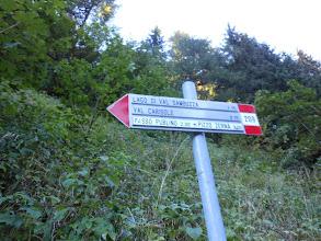 Photo: poco dopo prendiamo il sentiero n°209 per la Val Sambuzza.