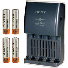 Photo: Sony 15 Minute Battery Charger with 4 AA Ni-MH Rechargeable Batteries