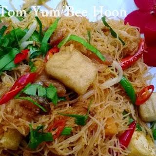 Fried Tom Yum Bee Hoon/rice vermicelli.