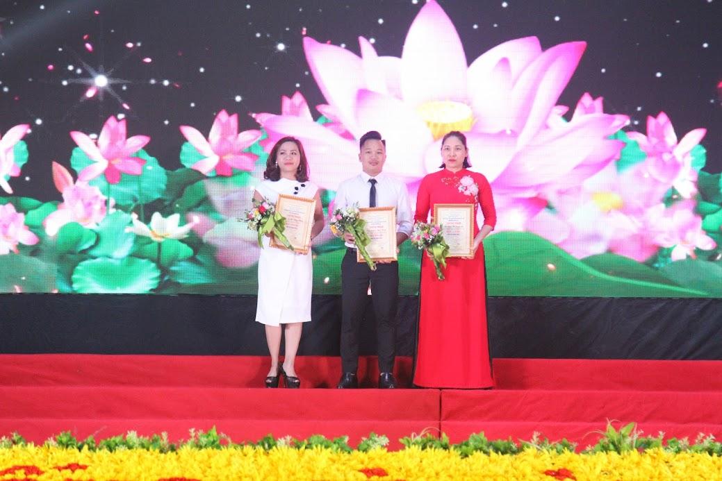 3 thí sinh đến từ Sở Nông nghiệp và Phát triển nông thôn, Sở Giao thông Vận tải và Huyện Tân Kỳ đồng giải Ba cá nhân