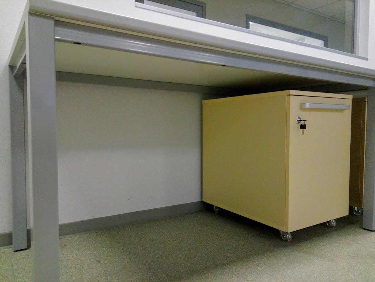 Производство лабораторной мебели, Лабораторный стол на каркасе ТИТАН
