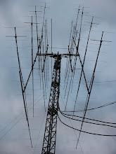 Photo: YU7AA antenski sistem na kisi.. i radi !!