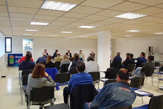 Público asistente al Agroateneo de La Voz de Almería.