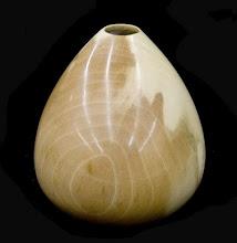 "Photo: Eliot Feldman 3.5""x3"" hollow vessel [holly]"