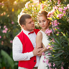 Wedding photographer Elina Cvetkova (Elinalava). Photo of 08.08.2016