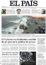 Photo: ETA plantea su disolución a cambio de un giro en la política de presos y el huracán Sandy deja decenas de muertos en la costa Este de EE UU, en la portada de EL PAÍS, edición nacional, del miércoles 31 de octubre de 2012 http://cort.as/2kDN